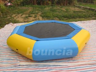 China Customized 0.9mm PVC Tarpaulin Inflatable Floating Trampoline For Kids Games factory