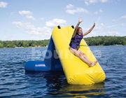 0,9 mm PVC dekzeil Kids Opblaasbare Waterglijbaan WS01 gebruikt in Lake exporteurs